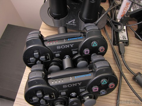Official Dualshock 3 Charging Station (PS3) (SONY) em funcionamento