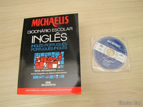 Michaelmas - School Dictionary - English-Portuguese and Portuguese-English with New Spelling and CD-ROM