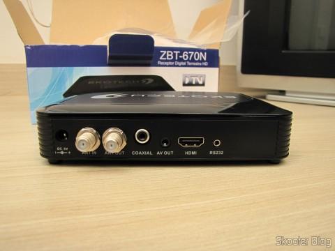 Back of the EKOTECH ZBT-670N
