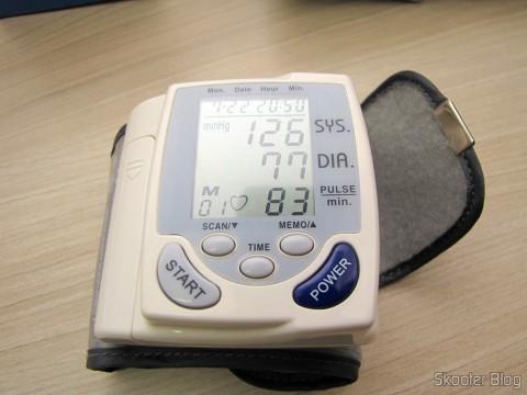 Monitor de Pressão Arterial de Pulso Totalmente Automático Happy Life HPL-100