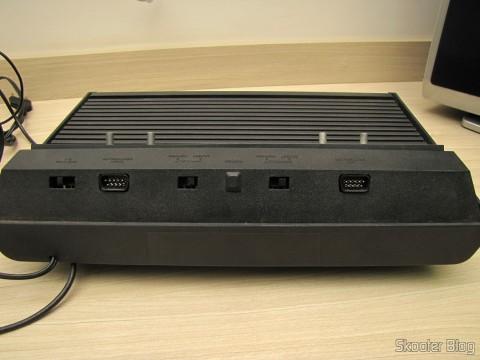 Parte traseira do Atari 2600 da Polyvox