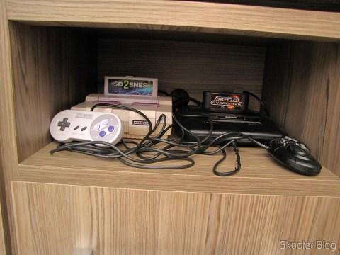 Niche with Super Nintendo and Mega Drive IIII