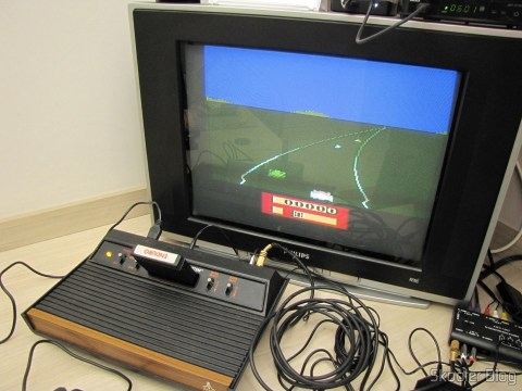 Enduro on the Atari VCS / 2600 through the composite video output