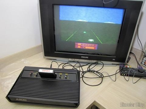 A Fonte de Alimentação para Atari 2600 da Retro-bit em funcionamento