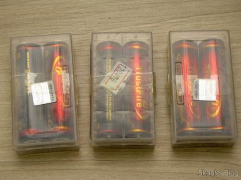 """Baterias de Íons de Lítio Recarregáveis 18650 TrustFire Protegidas 3.7V """"3000mAh"""" (TrustFire Protected 18650 3.7V """"3000mAh"""" Rechargeable Li-ion Batteries (Pair)) em seus estojos"""