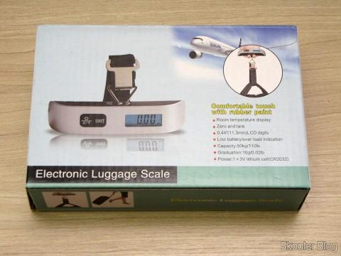 Balança Digital de Bagagem com LCD 1.4″ 50Kg/50g (1.4″ LCD Digital Luggage Scale – 50kg/50g (1 x CR2032)), em sua embalagem
