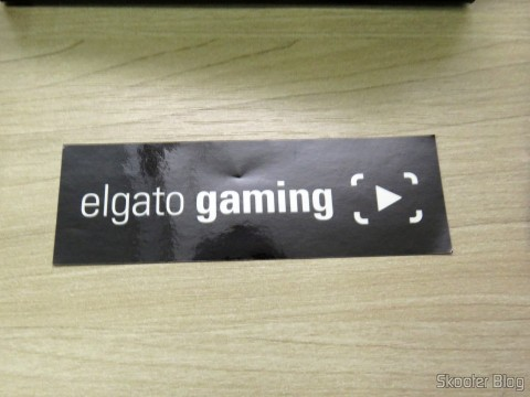 Adesivo que acompanha a Elgato - Game Capture HD60