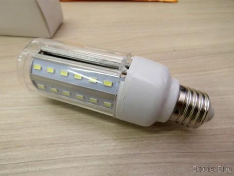 LED lamp XYT 10W SMD 42 × 5630 White 6500K 1000 Lumens E27 85 ~ 265V AC, acrylic cover broke in transport