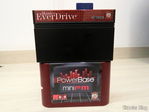 PowerBase Mini FM com Master Everdrive conectado