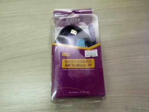 Cabo de Carga e Dados Micro USB para USB macho Millionwell 01.0368 em sua embalagem