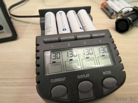 Testing 4 Rechargeable AA NiMH 1.2V 1900mAh Sanyo Eneloop Warm