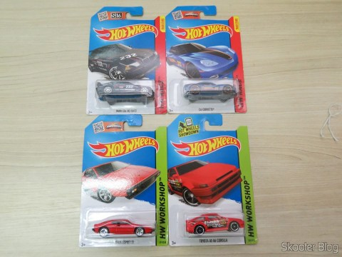 BMW E36 M3 Race, C6 Corvette, Lotus Esprit S1 e Toyota AE-86 Corolla, in their packaging