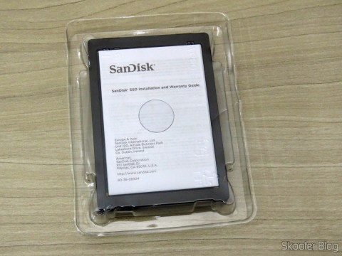 Sandisk Extreme PRO 240GB and its packaging