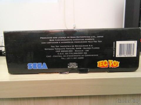 Parte superior da caixa do Mega Drive III da Tec Toy