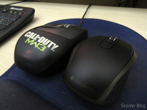 Mouse Logitech MX Anywhere 2 beside the Mouse Logitech G9X