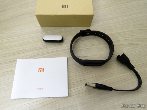 Smart bracelet Xiaomi Mi Band 1S and accessories
