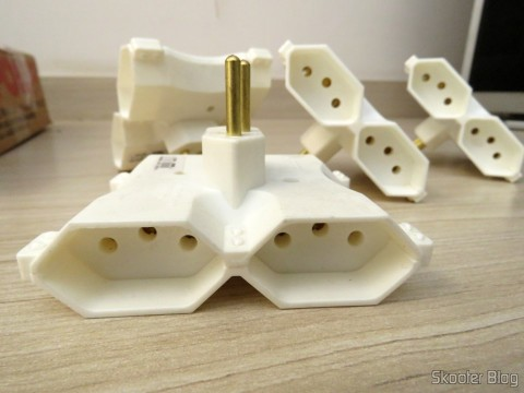 Socket adapters 4 outputs of 3 pins (2P + T) 10A