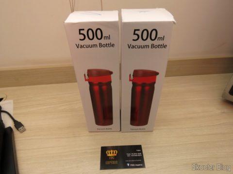 Garrafas Térmicas de Inox 500ml em suas respectivas embalagens