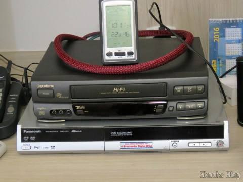 Gradient GSV-860HF VCR and DVD recorder Panasonic DMR-ES10 table