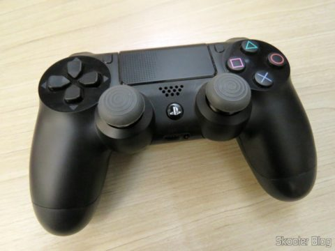 Thumbs Grip for Playstation 4, XBox One, Playstation 3 and Xbox 360 installed on the Playstation controller 4