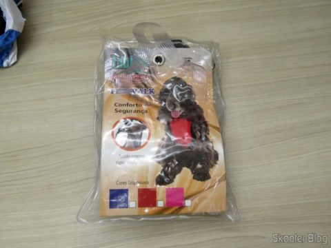 Tubline Pectoral collar with Pet Walk Guide Blue, on its packaging