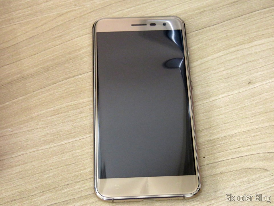 smartphone asus zenfone 3 32gb gold dual chip 4g skooter. Black Bedroom Furniture Sets. Home Design Ideas