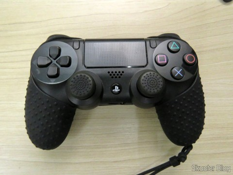 Thumb Grips for Dualshock 4 (PS4), instalados