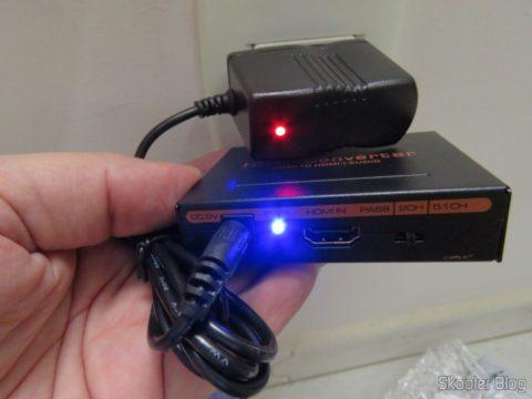 Extrator de Áudio de HDMI para SPDIF e Analógico RCA Estéreo em funcionamento