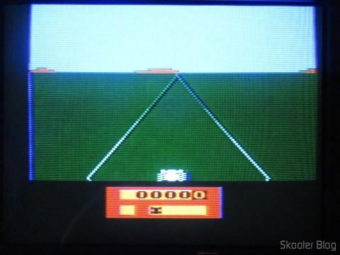 Cores do Enduro no meu Atari da Polyvox, model with built-in source and detachable joysticks, após o ajuste de matiz