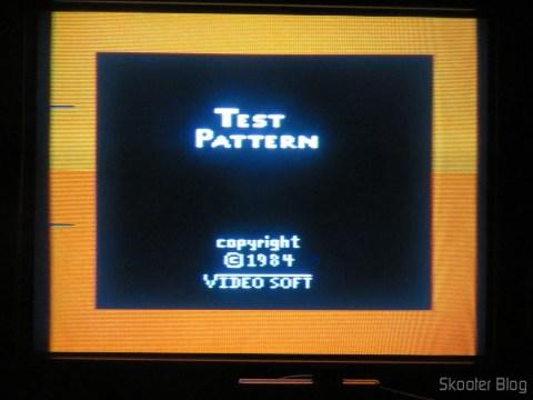 Color Bar Generator no Atari 2600 da Polyvox c/ fonte externa, ainda mais aquecido