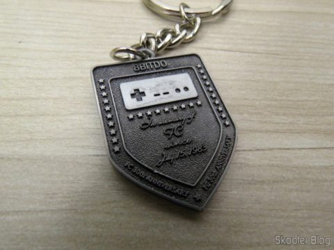 Keychain that came with the Crissaegrim NES30 PRO 8Bitdo