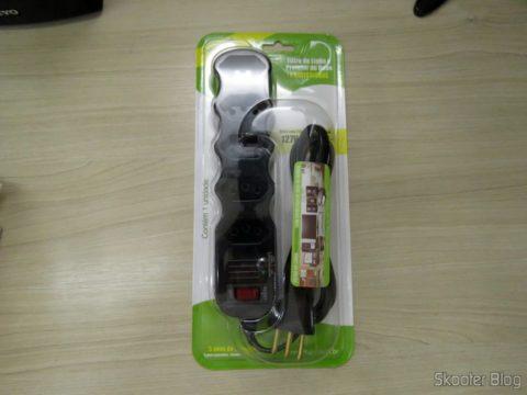 Filtro de Linha com Supressor de Ruídos Ilumi com 5 tomadas, em sua embalagem