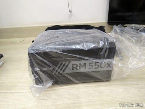 Fonte de Alimentação Totalmente Modular RMx Series™ RM550X — 550 Watt com certificação 80 PLUS® Gold