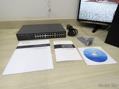 TP-Link TL-SG1024DE V2 e acessórios