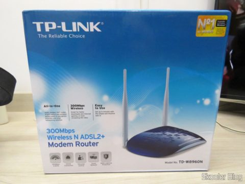 TP-Link TD-W8960N - Modem ADSL2 + Wireless N Router 300Mbps, on its packaging