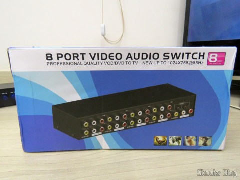 Composite video switch + Stereo Audio (3 RCA) with 8 inputs and 1 output, on its packaging