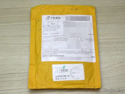 Package with the USB cable and load Data Vention for iPhone, on its packaging
