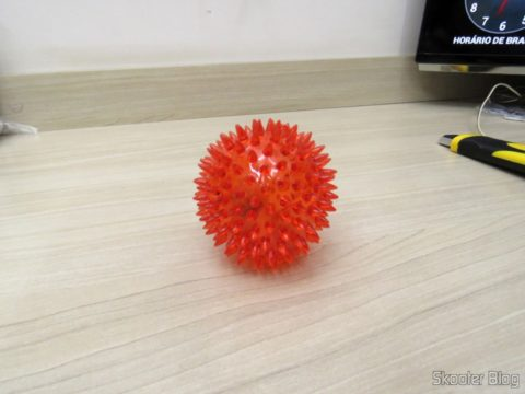 2th Rubber Ball for dogs and Cats with whistle and LEDs