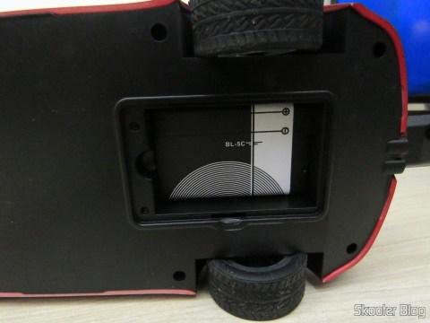 Uma das 2 Baterias BL-5C 1020mAh, instalada no carrinho/rádio/audio player