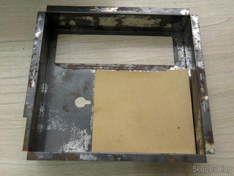 Proteção metálica contra interferências da placa do Atari 2600