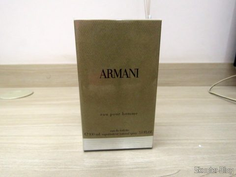 Armani 3.4 oz (100ml) EDT Spray, on its packaging