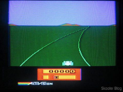 Enduro, no Atari 2600 em fase de-transcodificação.