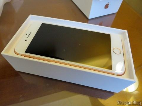 iPhone 7 128GB Rose Gold, em sua embalagem