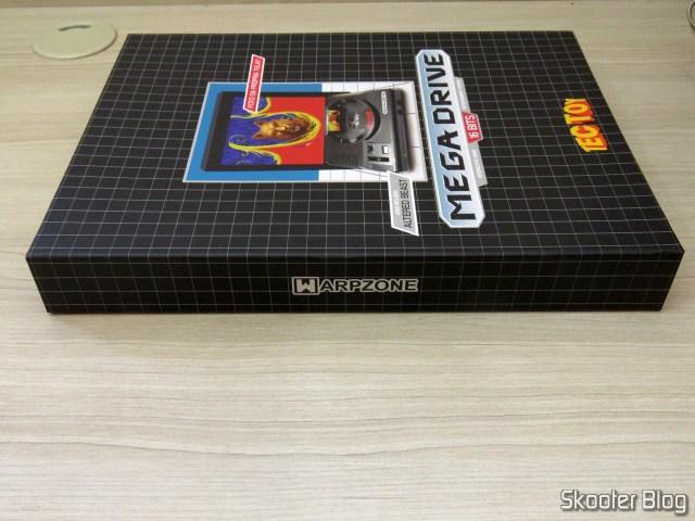 Caixa com o livro Mega Drive Definitivo - WarpZone