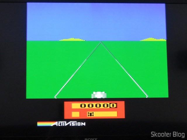 Enduro usando a saída S-Video do 2600RGB.