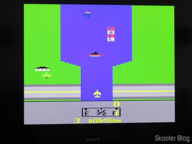 River Raid, usando a saída S-Video do 2600RGB.