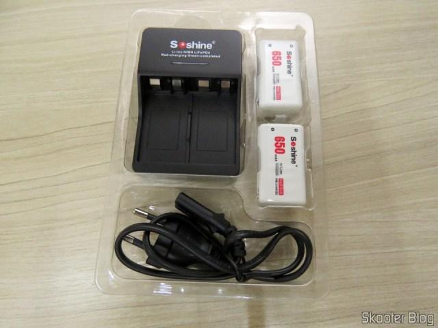 3ª e 4ª Baterias Soshine 9V 6F22 650mAh Recarregáveis Li-Ion + 2º Carregador Inteligente com LED, em sua embalagem.
