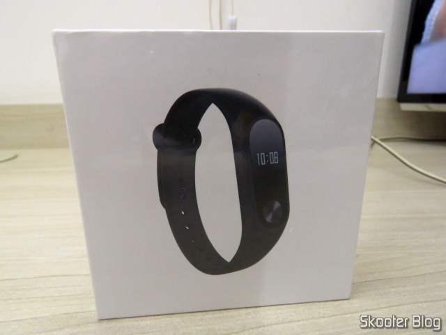 Xiaomi Mi Band 2 on its packaging.