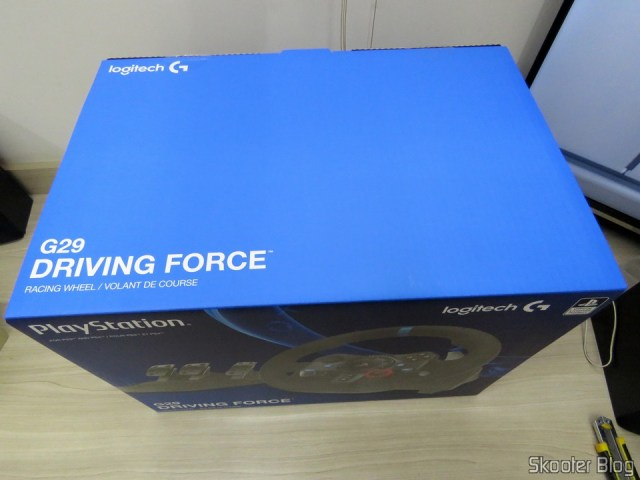 The inner box (shelf) the Driving Force Logitech racing wheel G29.
