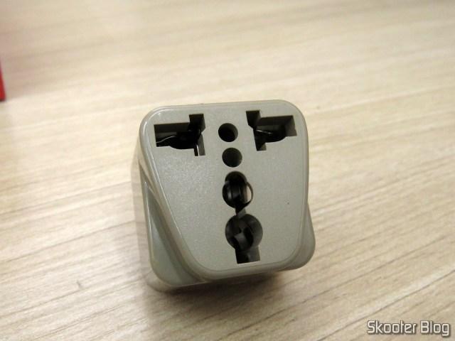 Por que esse adaptador teria vindo na caixa?